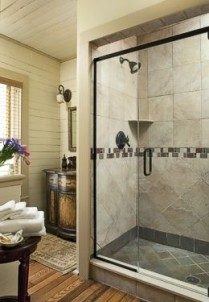 The Buck House Inn on Bald Mountain Creek-Hemlock Bathroom