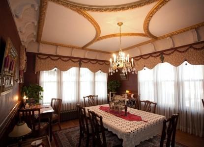 Westphal Mansion Inn Bed & Breakfast Dining
