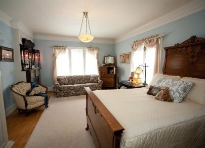 Westphal Mansion Inn Bed & Breakfast Room