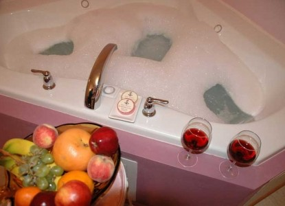 Inn Port B&B bubble bath