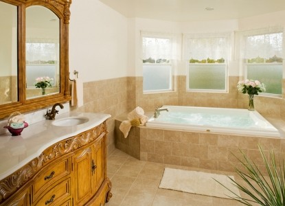 Wilbraham Mansion Bed & Breakfast Inn and Suites,  suite 202