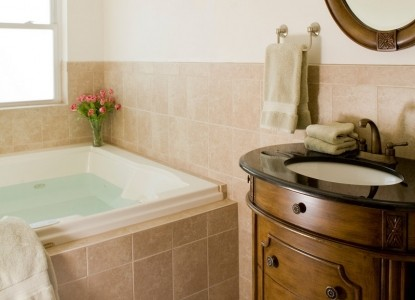 Wilbraham Mansion Bed & Breakfast Inn and Suites,  suite 304