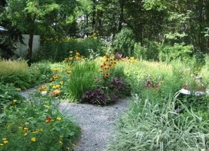 Mira Monte Inn & Suites-Gardens of Acadia