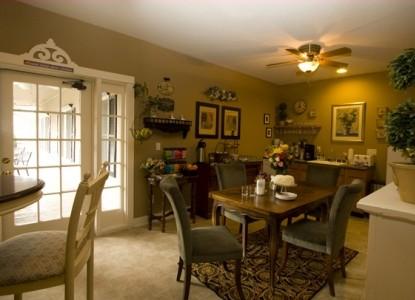 Jacksonville's Magnolia Inn guest kitchen