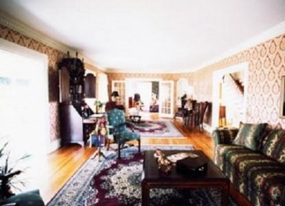 The Black Horse Inn Bed & Breakfast living room