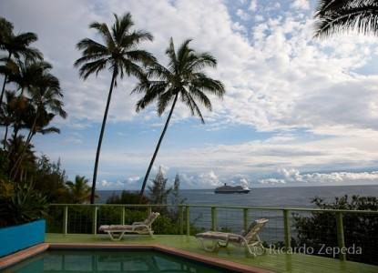 Hale Kai Hawaii Bed & Breakfast pool