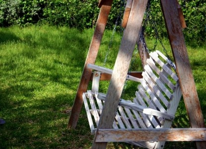Monarc Ranch swinging bench