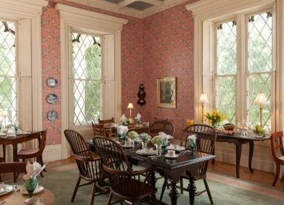 1853 Inn at Woodhaven dining table