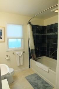 North Berkeley Cottage-Bathroom