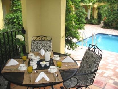 Grandview Gardens Bed & Breakfast, outside patio