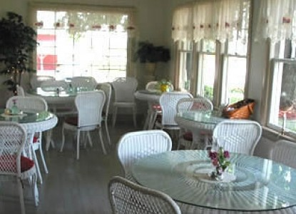 Meadows Inn Bed & Breakfast breakfast room