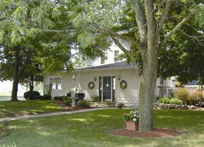Meadows Inn Bed & Breakfast - Middlebury, Indiana