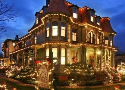 The Queen Victoria Bed & Breakfast Inn with lights