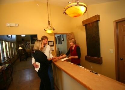 Frisco Inn on Galena, reception
