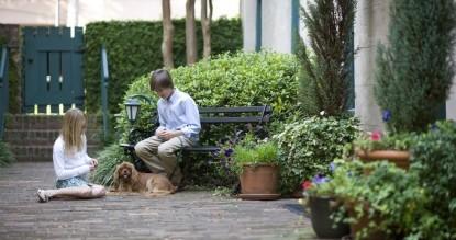 John Rutledge House Inn-Kids with dog