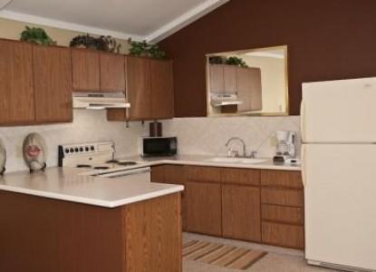 Bayside Inn suite 9