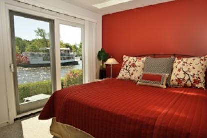 Bayside Inn waterfront suite