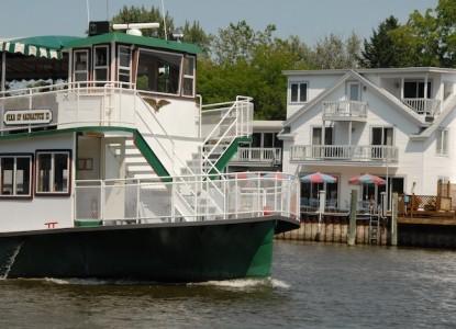 Bayside Inn boat