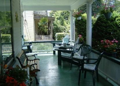 Harvest Inn Bed & Breakfast, front porch