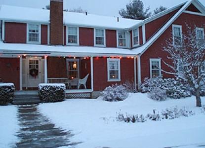Mountain View Inn, snow covered yard