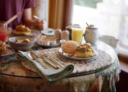 White Lace Inn Bed & Breakfast, breakfast