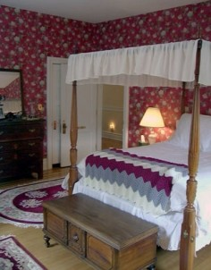 The Castle Bed & Breakfast-Michael Chamber's bedroom