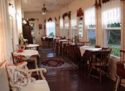 Cedar Key Bed & Breakfast, dining area