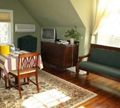 The Riverdale Inn, Oak room