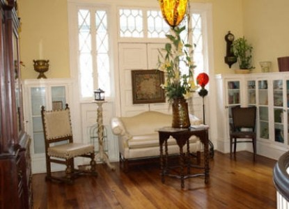 The Riverdale Inn -  parlor