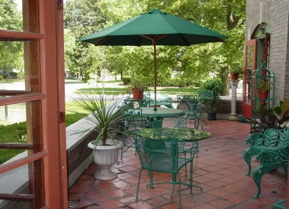The Mansion Bed & Breakfast- Patio