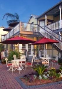 Bayfront Marine House, baqlcony and patio