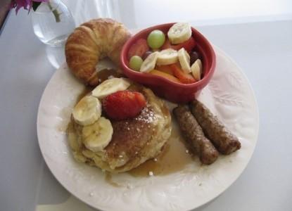 Bayfront Marine House, breakfast