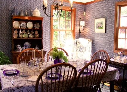 The Country Cape Bed and Breakfast dining table