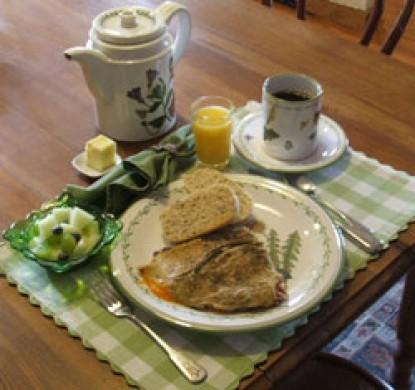 Applewood Inn & Llama Trekking breakfast