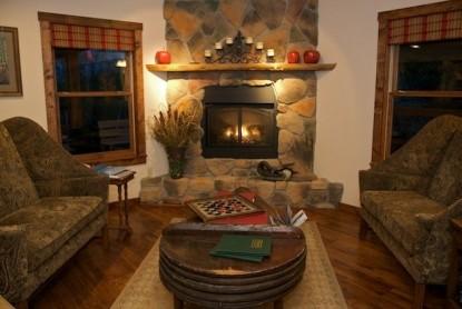 Inn & Spa At Cedar Falls fireplace