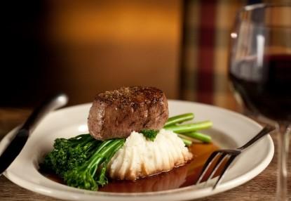 Inn & Spa At Cedar Falls plate of food