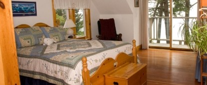 The Lost Whale Bed & Breakfast Inn, Beluga Whale Room