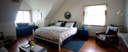 The Lost Whale Bed & Breakfast Inn, Blue Whale Room