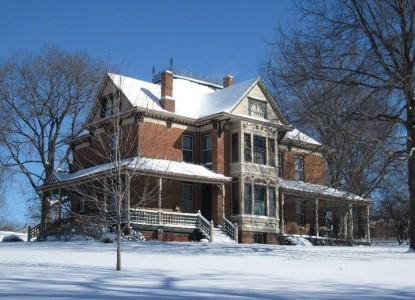 Stone-Yancey House Bed and Breakfast snow