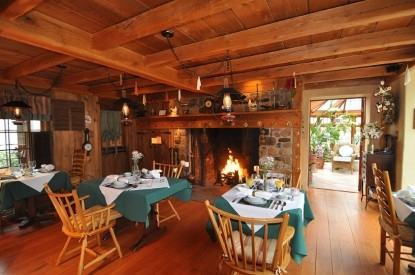 Inn at Bowman's Hill, dining area