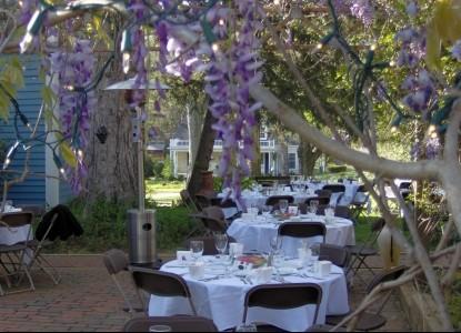 Cooper's Landing Inn & Traveler's Tavern wedding tables