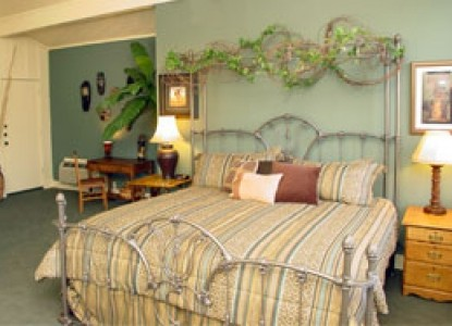 Meyer Bed and Breakfast on Cypress Creek 703