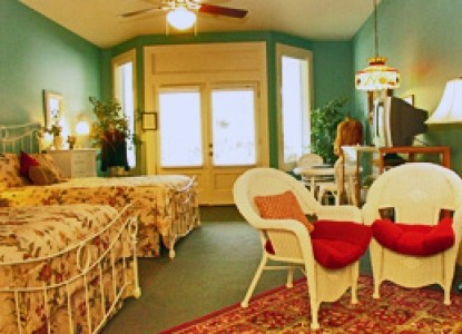 Meyer Bed and Breakfast on Cypress Creek Mercantile bedroom