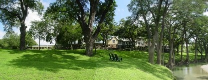 Meyer Bed and Breakfast on Cypress Creek trees