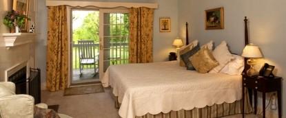 Fairville Inn Bed and Breakfast Springhous Room 2