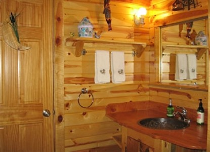 Mountains To Prairies Bed and Breakfast-Prairie Homestead Bathroom
