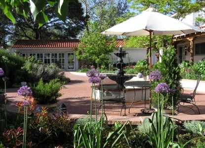 Casa Blanca Bed and Breakfast Inn patio