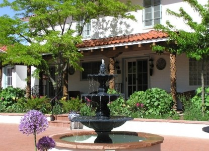 Casa Blanca Bed and Breakfast Inn fountain