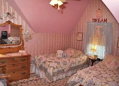 The Homespun Country Inn, Jodi's Room