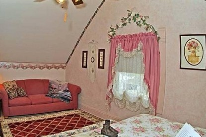 The Homespun Country Inn, sally's room